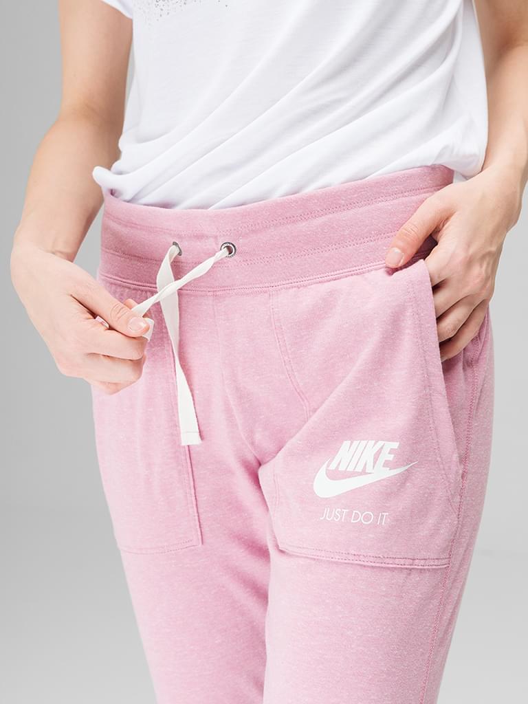 9d0a67edbdbc PlayersFashion.hu - Nike női Nadrág - NIKE W GYM VNTG PANT